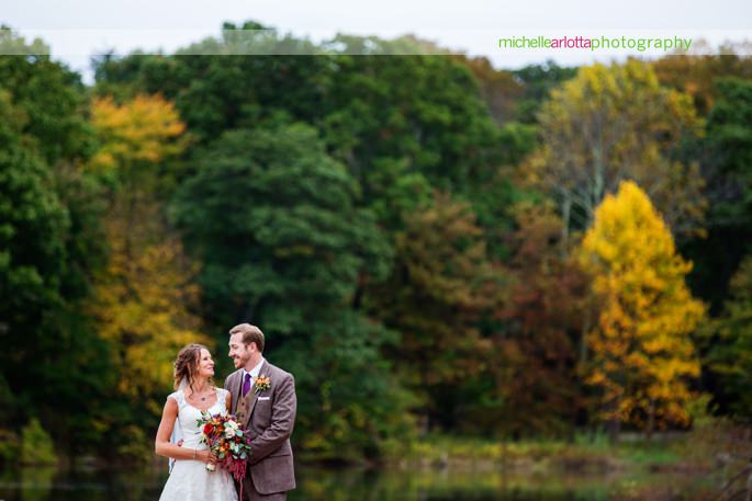 fall foliage at rock island lake club wedding